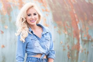 Cliona Hagan plays at Ballymore Country Music Festival 2019 - Athlone.ie